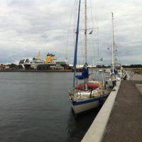 An der Pier von AS